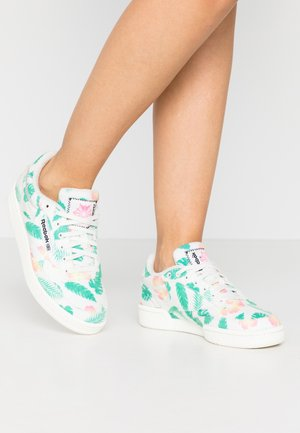 CLUB C 85 - Sneakers - chalk/black/green