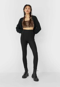 Stradivarius - Leggings - Trousers - black