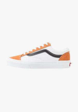 STYLE 36 - Sneakersy niskie - apricot buff/true white