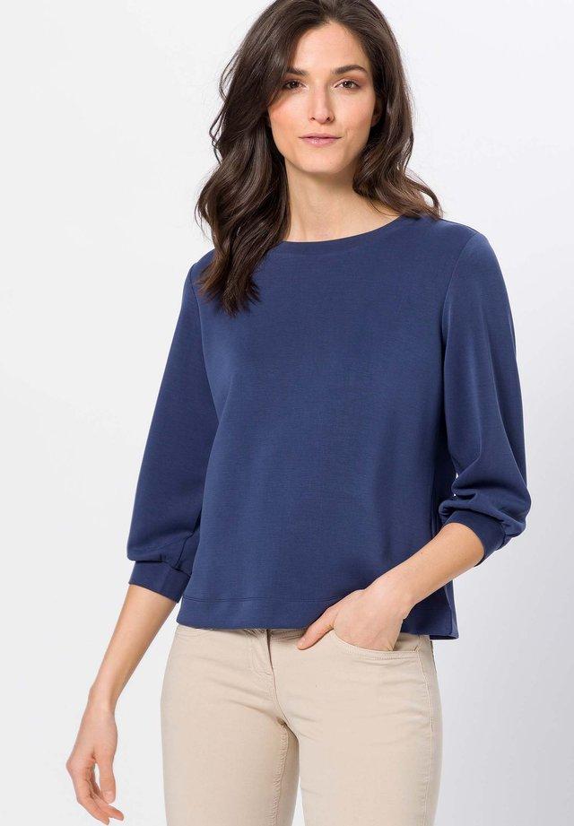 Sweater - velvet blue