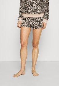 Calvin Klein Underwear - ONE GLISTEN SLEEP SHORT HOT PANTS - Pyjamahousut/-shortsit - honey almond - 0