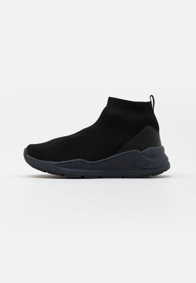 TRAINER UNISEX - Höga sneakers - black