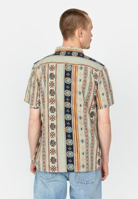 Roark - Shirt - stone - 2