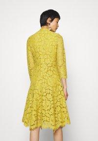IVY & OAK - DRESS - Cocktail dress / Party dress - mustard yellow - 2