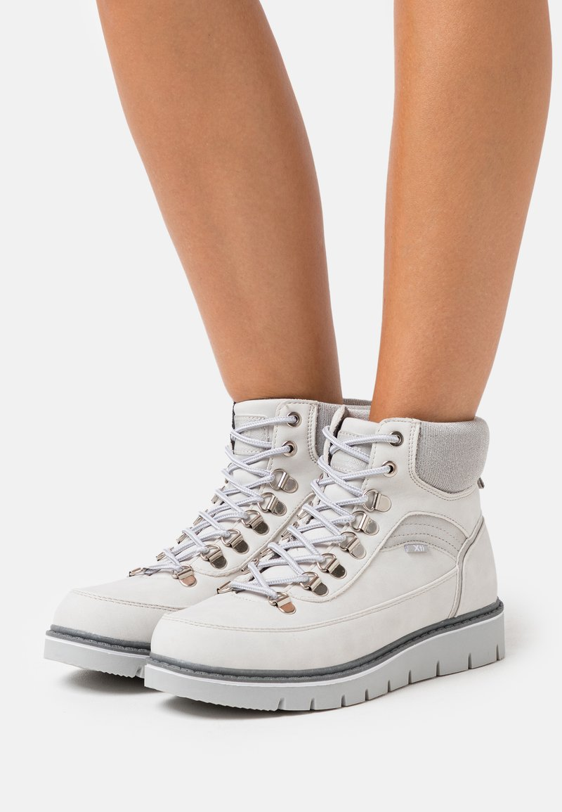 XTI - Ankelboots - white