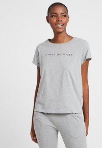 Tommy Hilfiger - ORIGINAL TEE LOGO - Pyjama top - grey heather - 0