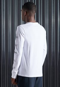 Superdry - Long sleeved top - brilliant white - 1