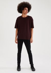 DeFacto - OVERSIZED - T-Shirt basic - bordeaux - 1