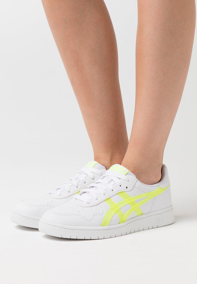 ASICS SportStyle - JAPAN  - Zapatillas - white/safety yellow
