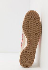 adidas Originals - SL 72  - Tenisky - cream white/solar red - 7