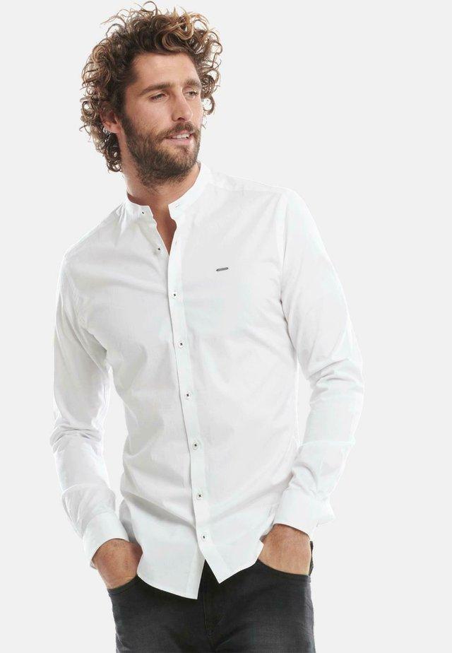 STEHKRAGEN - Shirt - weiß