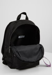 adidas Originals - Reppu - black - 5