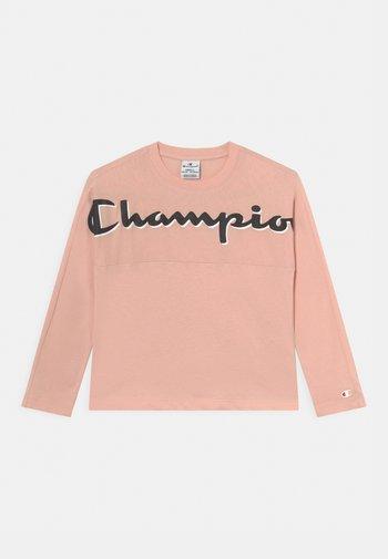 CHAMPION ADDICTED CREW NECK LONG SLEEVE UNISEX - Long sleeved top - light pink