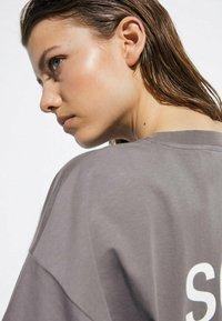 Massimo Dutti - Print T-shirt - dark blue - 2