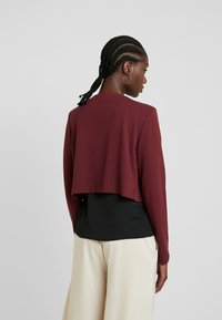 TOM TAILOR - BOLERO - Strikjakke /Cardigans - deep burgundy red - 2