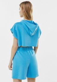 Bershka - Shorts - turquoise - 2