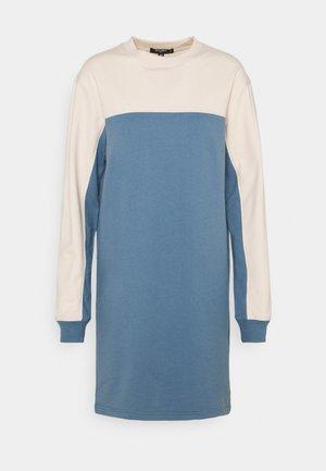 DRESS - Jersey dress - blue