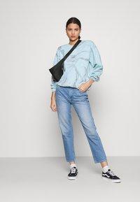 BDG Urban Outfitters - LOTUS SOUL CREW NECK - Sweatshirt - blue - 1