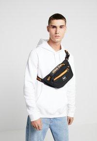 Urban Classics - SHOULDER BAG - Ledvinka - black/orange - 1
