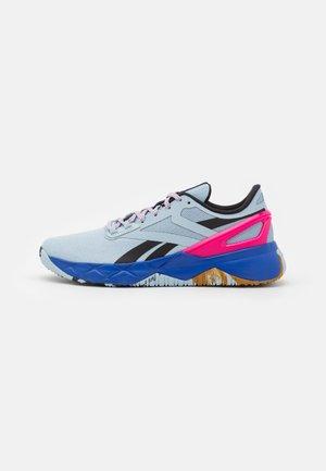 NANOFLEX TR - Obuwie treningowe - gable grey/core black/pursuit pink