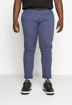 CLASSIC STRETCH WITH BELT PLUS - Chinos - dusty blue