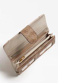 Guess - NAYA  - Wallet - beige - 2