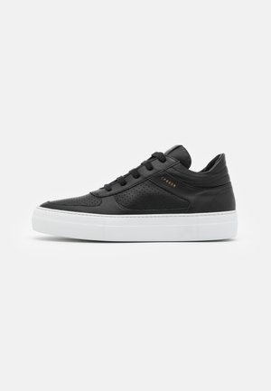 CPH402M - Trainers - black