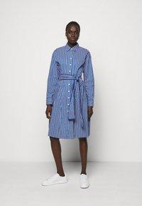 Steffen Schraut - STELLA SUMMER DRESS - Shirt dress - ocean stripe - 0