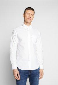 Ben Sherman - SIGNATURE OXFORD SHIRT - Shirt - white - 0