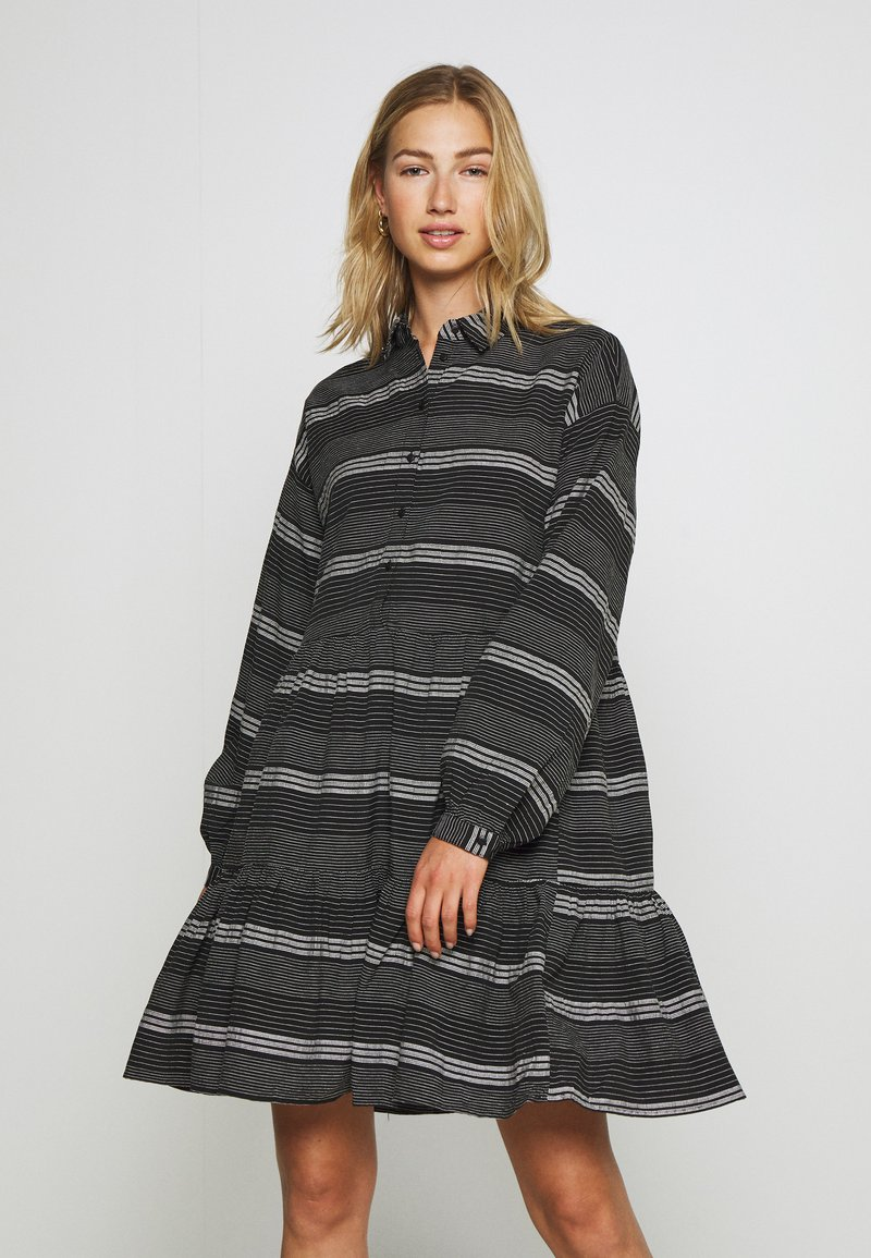 ONLY - ONLMILA SHORT DRESS - Vestido camisero - black/cloud dancer
