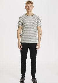 Matinique - Print T-shirt - olive night - 1