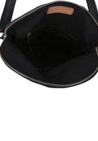 Gusti Leder - Across body bag - black - 4