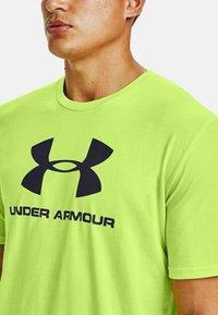Under Armour - Print T-shirt - lime fizz - 2