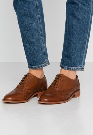 LEATHER LACE-UPS - Snörskor - cognac