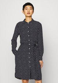 GANT - DESERT JEWEL PRINT DRESS - Košilové šaty - evening blue - 0