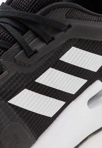 adidas Performance - ALPHATORSION - Zapatillas de running estables - cblack/ftwwht/gresix - 5