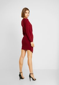 Missguided - SLINKY WRAP OVER MINI DRESS - Sukienka etui - burgandy - 3