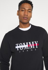Tommy Jeans - TIMELESS CREW UNISEX - Sweatshirt - black - 4