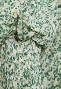 Fashion Union - BLOSSOM DRESS - Day dress - green - 2