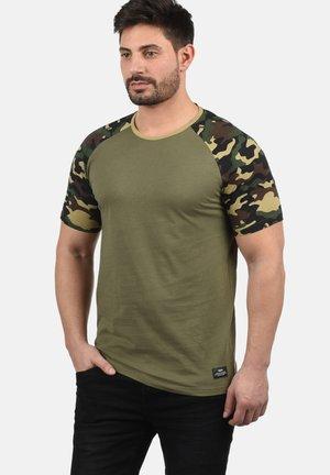 CAHIL - Print T-shirt - dusty olive