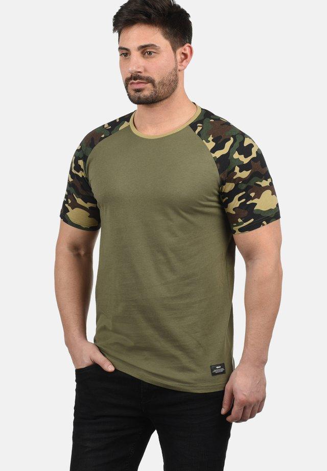 CAHIL - T-shirt print - dusty olive
