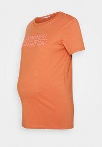 Pieces Maternity - PCMSANICCA TEE - Print T-shirt - sunburn - 0