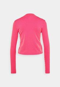 Nike Sportswear - AIR MOCK - Long sleeved top - fireberry/bright mango/white - 6