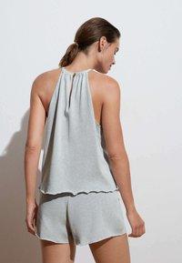 OYSHO - Shorts - light blue - 2