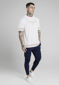 SIKSILK - ESSENTIAL TEE - Print T-shirt - white - 1