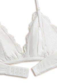 OYSHO - Triangle bra - white - 5