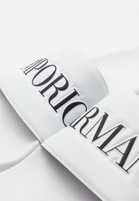 Emporio Armani - Pantofle - white/night - 5