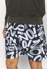 Jordan - ZION WILLIAMSON SHORT - Sports shorts - black/light smoke grey/white - 4