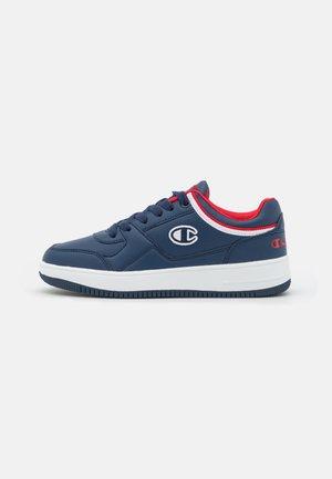 LOW CUT SHOE REBOUND UNISEX - Chaussures de basket - navy