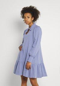 b.young - BYFLIA DRESS - Vestito estivo - stonewash - 0